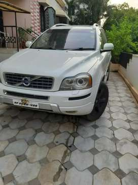 Volvo xc90 D5 AWD  in price of fortuner better than x5 q7 endeavor