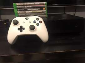 Xbox One 1 TB memory. Including 5 games,1 Controller for Sale