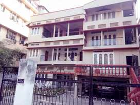 Girls PG/hostel for student and working ladies at Zoo Road.