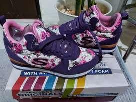 Sepatu Originals Skechers Wanita
