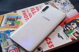 Samsung a50 samsung a50 4/64gb     .