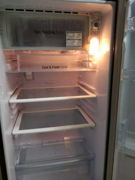 LG Refrigerator (190 litres / 5 Star / 3.5 years old)