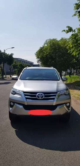 Toyota Fortuner VRZ 2.4 AT (Deluxe) 2017