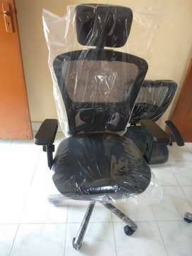 Brand new head rest office chair in wholesale price