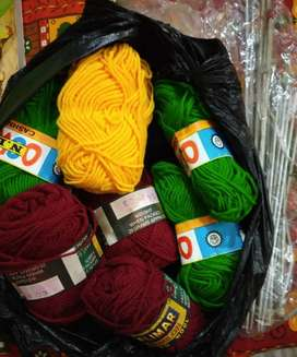 Superb quality Colourful knitting wools with