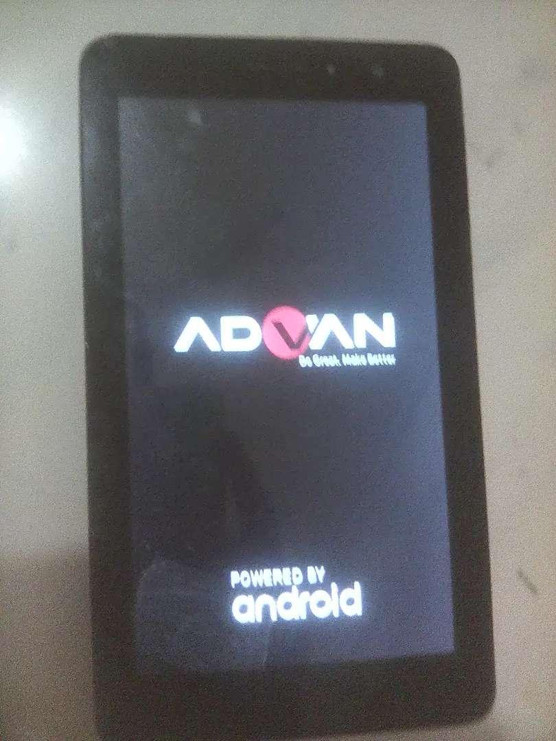 Jual tablet advan s7c,ramb1 gb/8gb,minus ada retak bagian bawah 0