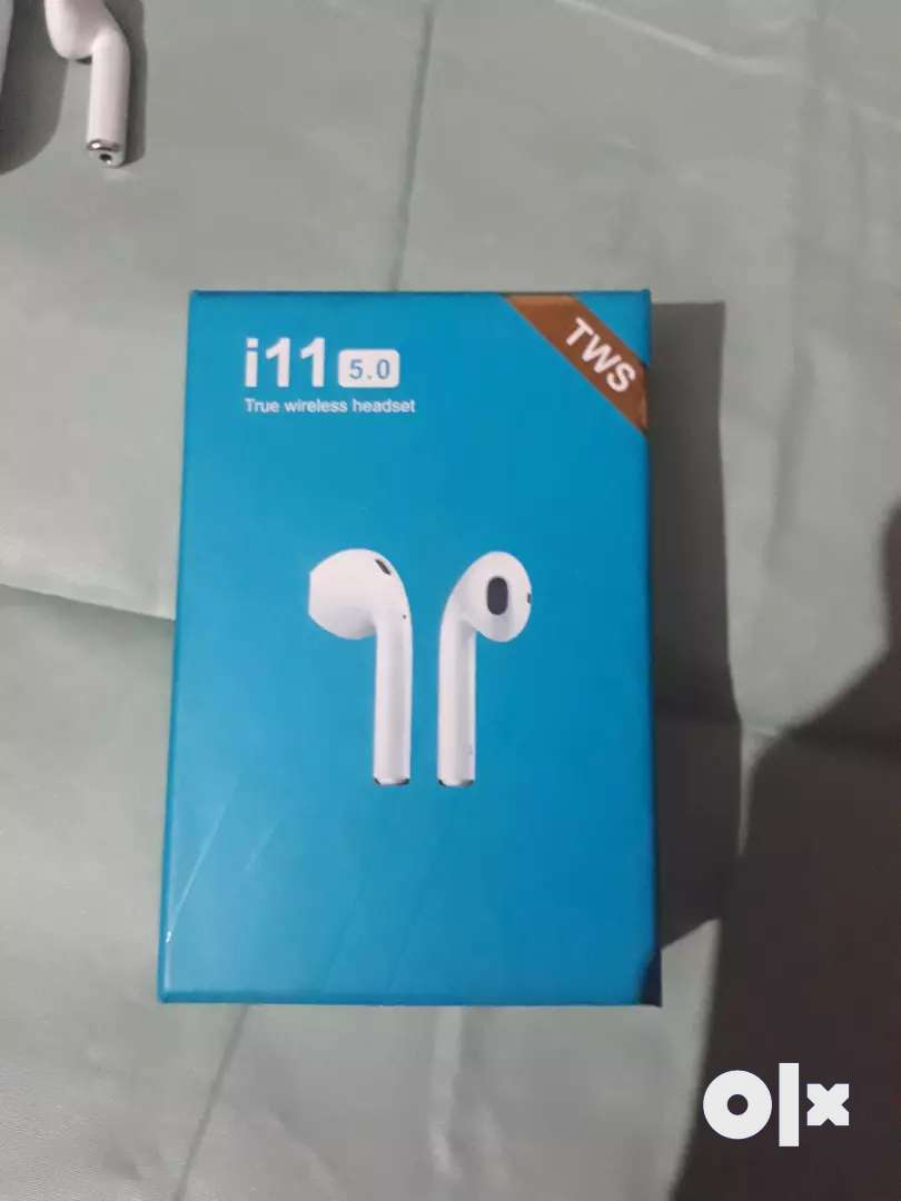 i11 TWS bluetooth headset 1 month used only 0