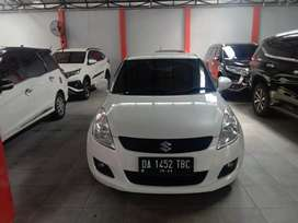 Swift GX matic tahun 2014 warna putih