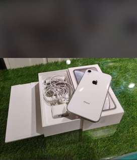 Iphone xr 128 gb indian pc bill,box,handsfree TIPTOP CONDITION