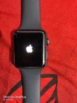 Apple Watch Series 3 ( 42mm , Black)