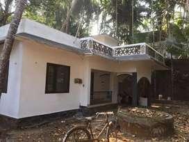 3 bhk independent bachlors house near azhakodi temple. Thiruthiyad