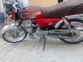 Bike for sale only one hand yuse. copy later original.ha.rate munasb.