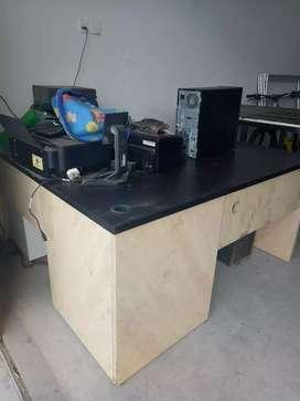 Meja kantor L dan 2 kursi malas