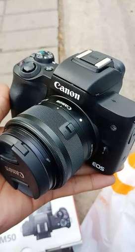 Canon eos m50 garansi september 2020 distributor like new