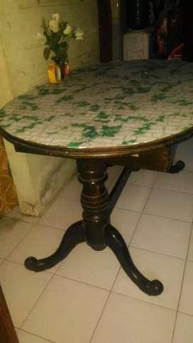 Meja makan rangka jati antik