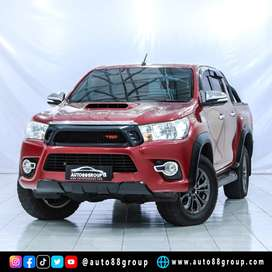 TOYOTA HILUX V PICKUP DC AT RED 2017