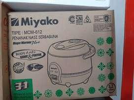 Magic com Miyako MCM612 kapasitas 1.2liter rice cooker (sinar kita)