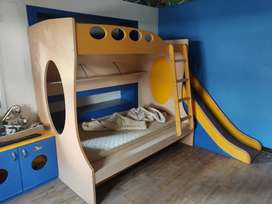 Bunk bed with slider