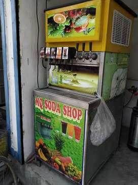 Soda juice machine
