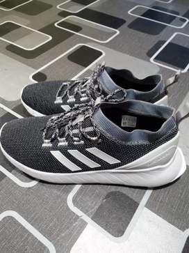 Adidas questar rise size 44