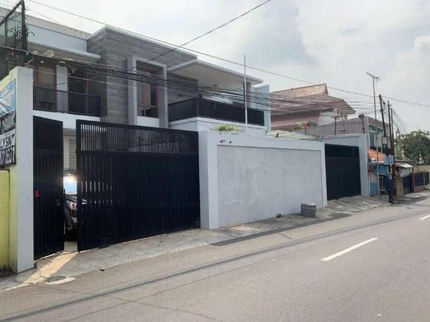 Rumah Secondary Bisa Buat Kantor LOkasi strategis Di Cipinang
