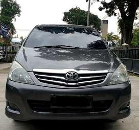 Innova V 2.5 Diesel MT 2011
