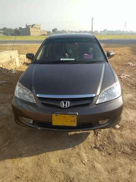 i am selling my car honda civic auto 2005 top condition