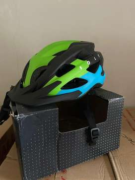 Helm sepeda polygon like new 1x pake