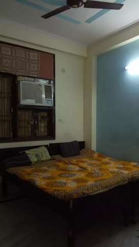 TWO BHK FLATS FULLY FURNISHED  NEAR BY METRO