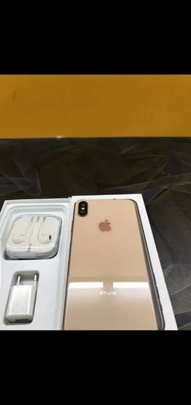 iPhone 10s max with wireless airpords