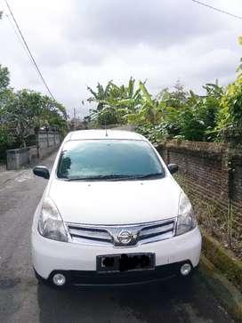 Nissan Grand Livina 2011 putih Manual Asli Bali
