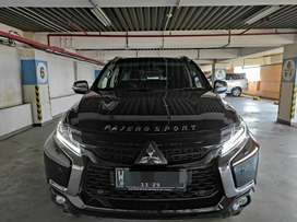 Km.7rb Mitsubishi pajero Dakar Matic AT Hitam 2020 pmk 2021 Surabaya
