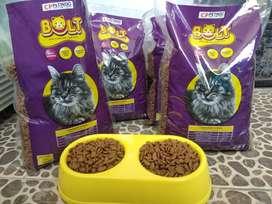 makanan kucing/dry food merk bolt