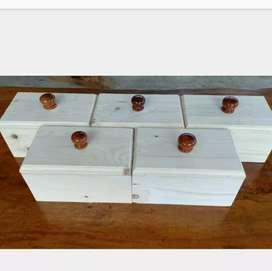 Kotak cantik kayu jati belanda
