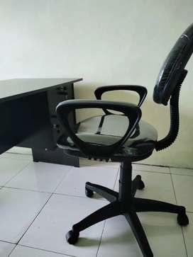 meja+kursi kantor (1 set)