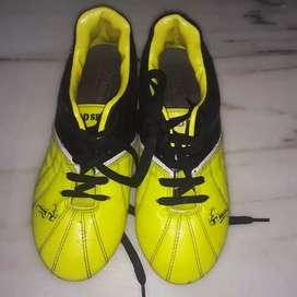 Shoes size= 5
