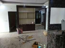 A 3bhk semi-furnished flat near Manya place, Morabadi is for rent.