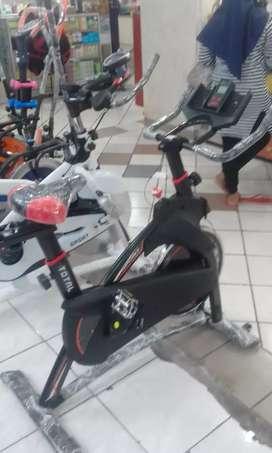 Sepeda statis balap cardiofitt 50 turi sport