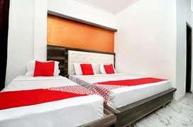 Hotel near Saragarhi parking