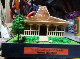 Miniatur Rumah Adat Joglo - Jawa Tengah