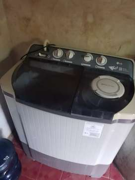 Mesin cuci LG/12 KG