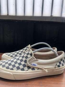 vans slip on checkerboard OG original