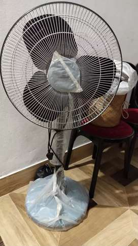 Stand fan high speed new fan.