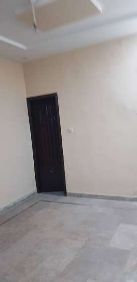 allama iqbal town 5 marla house for rent