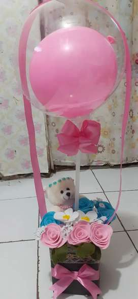 Box bunga plus balon plus boneka