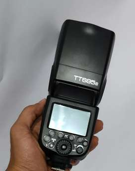 Godox flash light tt685 for nikon. FIXED PRICE.