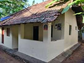 An old house for sale in kuriyathy near attukal