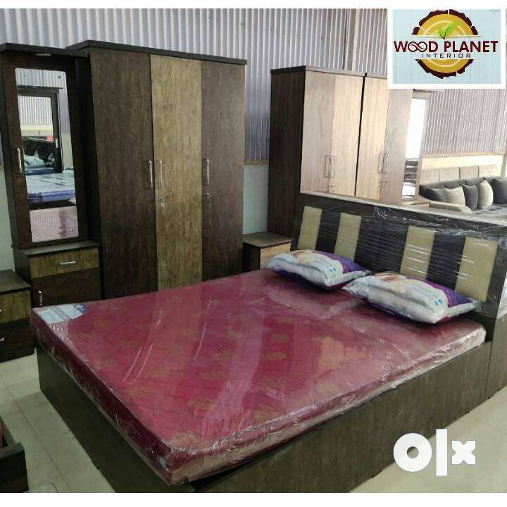 Factory Sale On Brand New Bedroom Set in Wholesale Price
