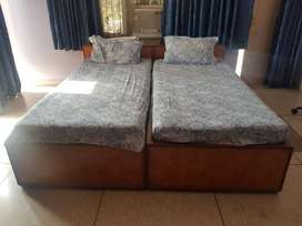Twin Sharing Bed with a Side table(Excellent Condition)
