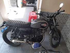 Kawasaki w175  sudah custome